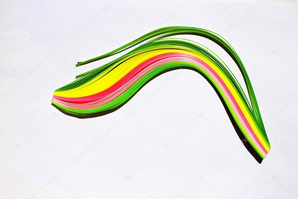 Isolierte Garbe Von Farbigen Papierstreifen Für Quilling Stockfoto