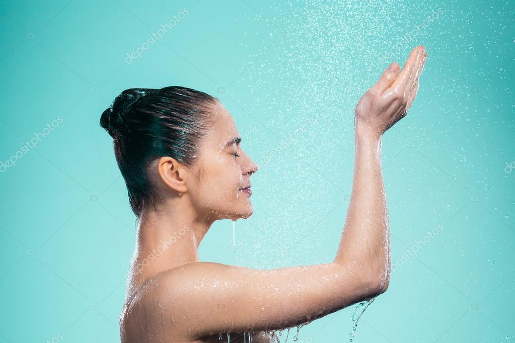 Spaß Mit Einem Dildo Der Dusche