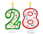 Születésnapi gyertyák száma húsz-nyolc