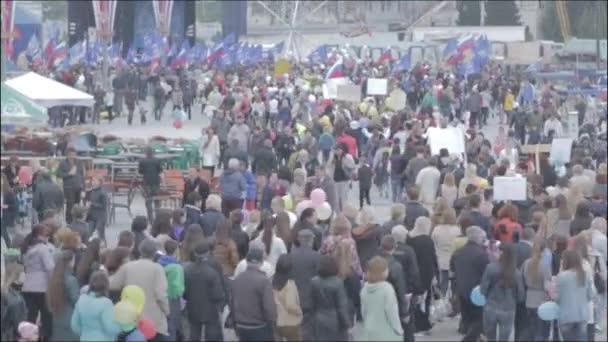 Yalta Crimea Ukrajna Oroszország - május 1. A munkavállalók szolidaritási nap ünnepi demonstrációs március