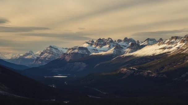Západ slunce světlo na kanadské Rockie