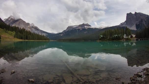 Emerald Lake an einem Morgen bewölkt