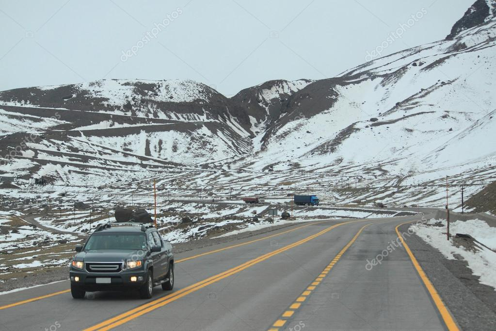international road between Santiago and Mendoza