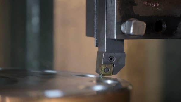 Průmyslové soustružnické práce kov
