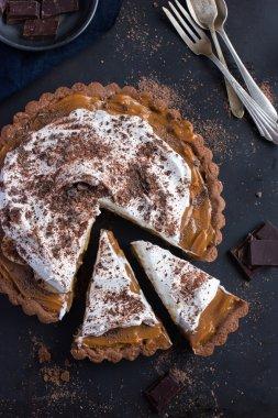 Banofee cake. Banana and caramel cake,