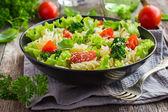 Těstovinový salát s cherry rajčaty