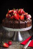 Fényképek Csokoládétorta friss eperrel