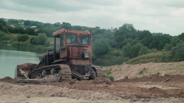 Bulldozer Quarrying