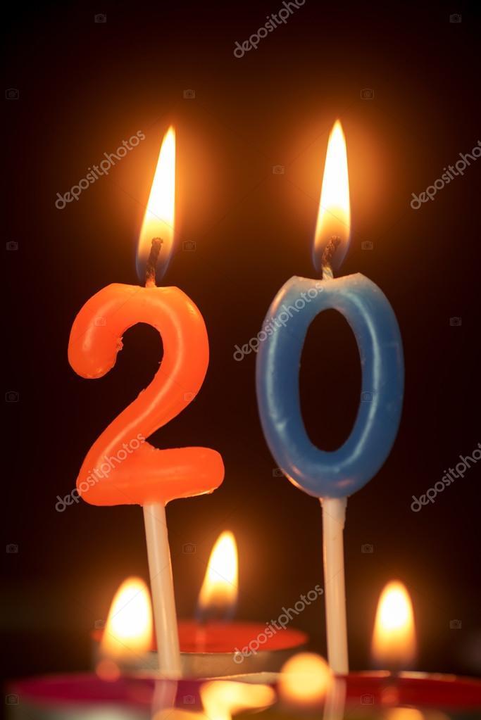 födelsedag 20 år Födelsedag nummer årsdagen ljus: 20 år gammal — Stockfotografi  födelsedag 20 år