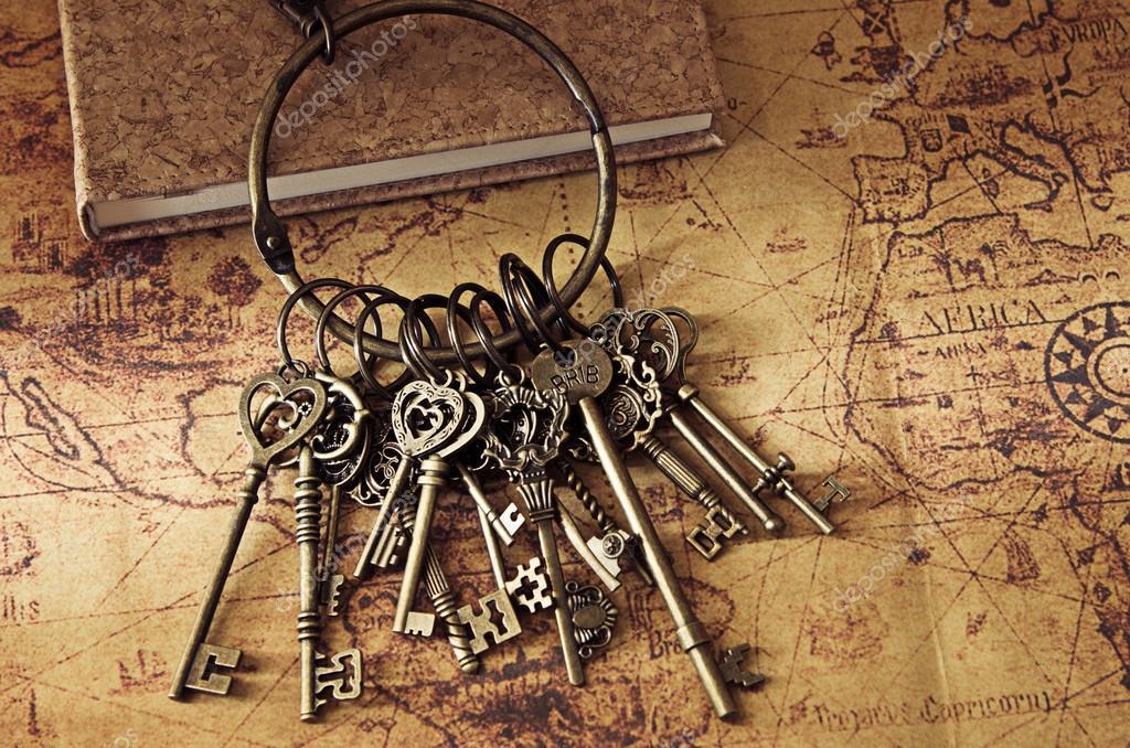 kulcs térkép kincs kulcs a régi Térkép — Stock Fotó © kwanchaidp #82540030 kulcs térkép