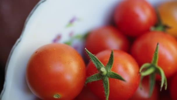 Rajčata jsou na desce