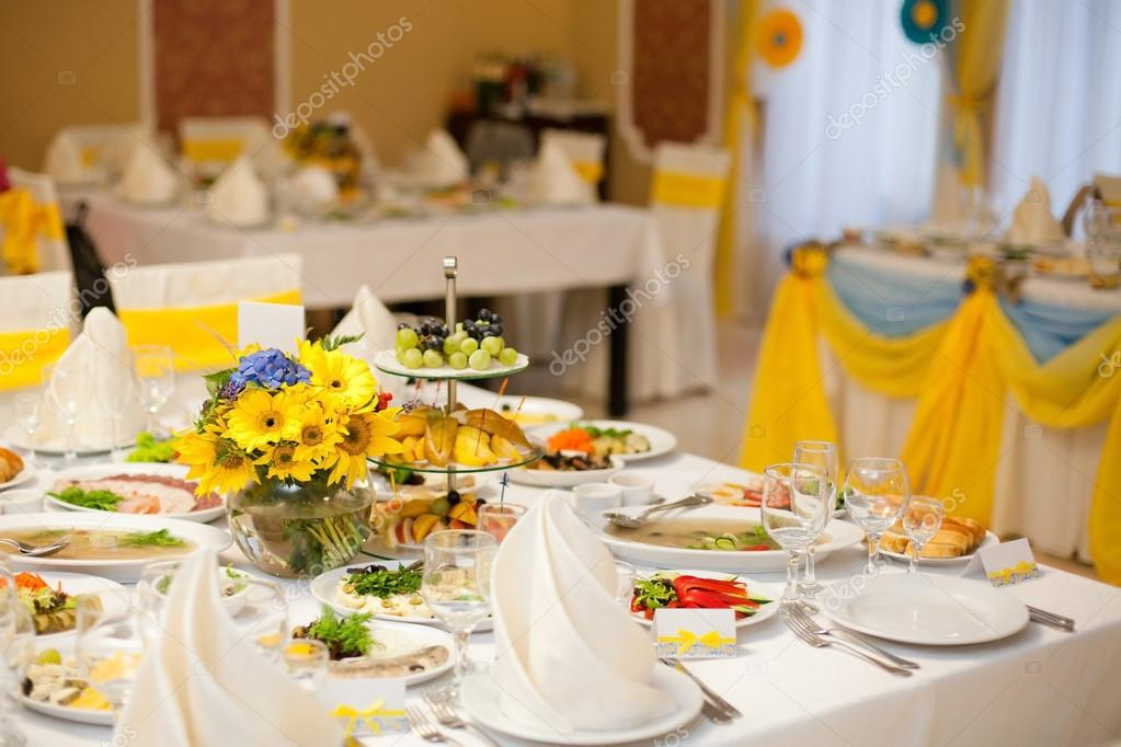 gorgeous wedding decor on table