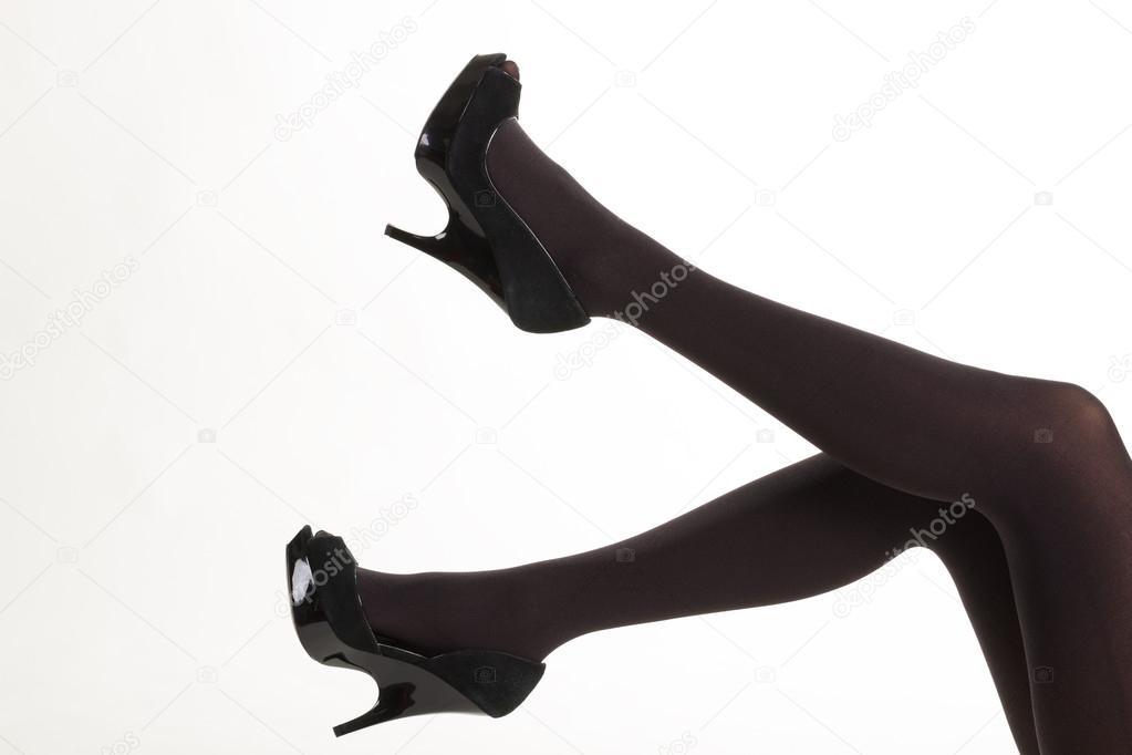 44d6f8b4d Sexy piernas mujeres en pantimedias negras. — Foto de stock ...