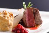 Szarvashús hús steak vörös káposzta