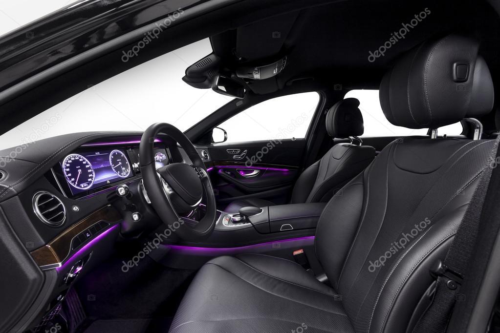 luxuoso interior de carro preto com luz ambiente violeta stock photo dmindphoto 98571366. Black Bedroom Furniture Sets. Home Design Ideas