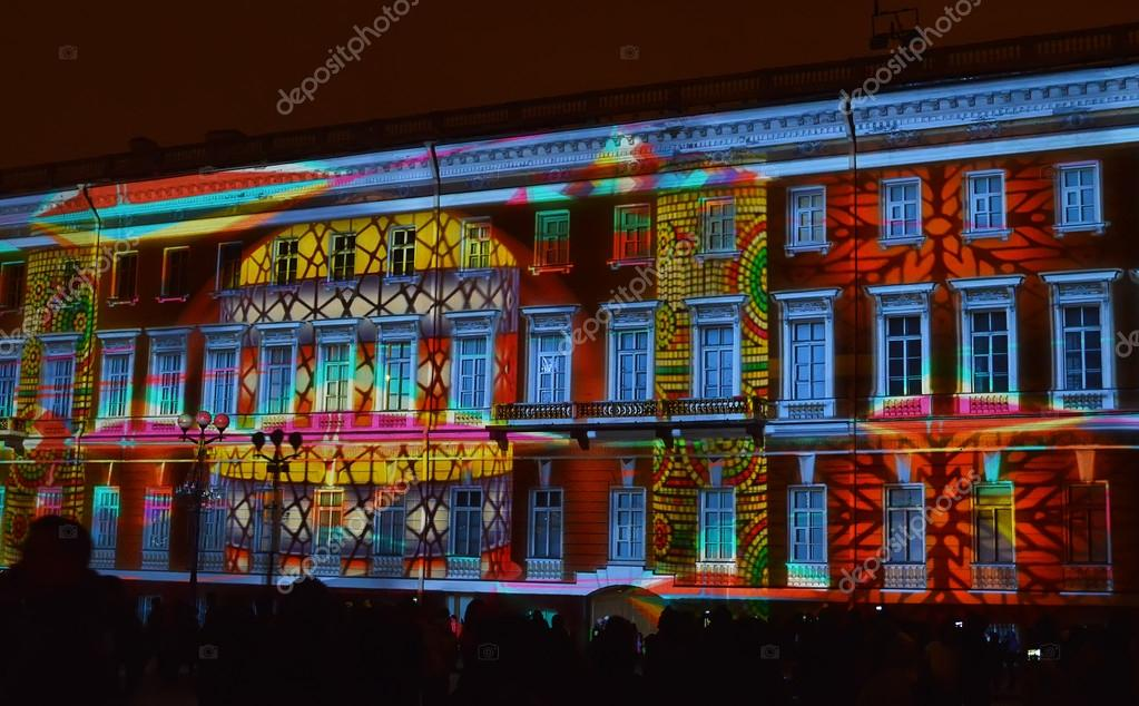 Christmas light and music show in St. Petersburg. — Stock Photo ...