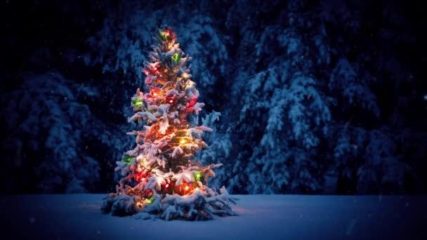 bunter weihnachtsbaum im schnee stockvideo. Black Bedroom Furniture Sets. Home Design Ideas