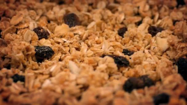 Granola obilovin, ořechy a rozinky, rotační