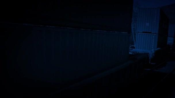 Nákladní vlak kolem v noci
