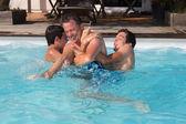 Zábava v bazénu