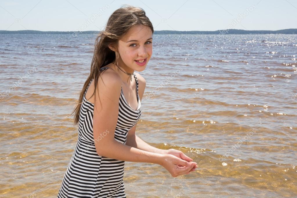 teen muy jovencita — Foto de stock © sylv1rob1 #79286808