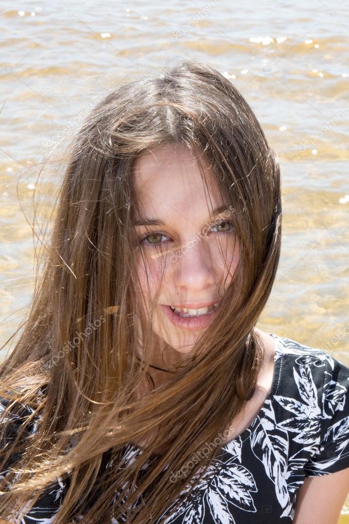 Belle Fille De 12 Ans très belle jeune fille de 12 ans — photographie sylv1rob1 © #79501624