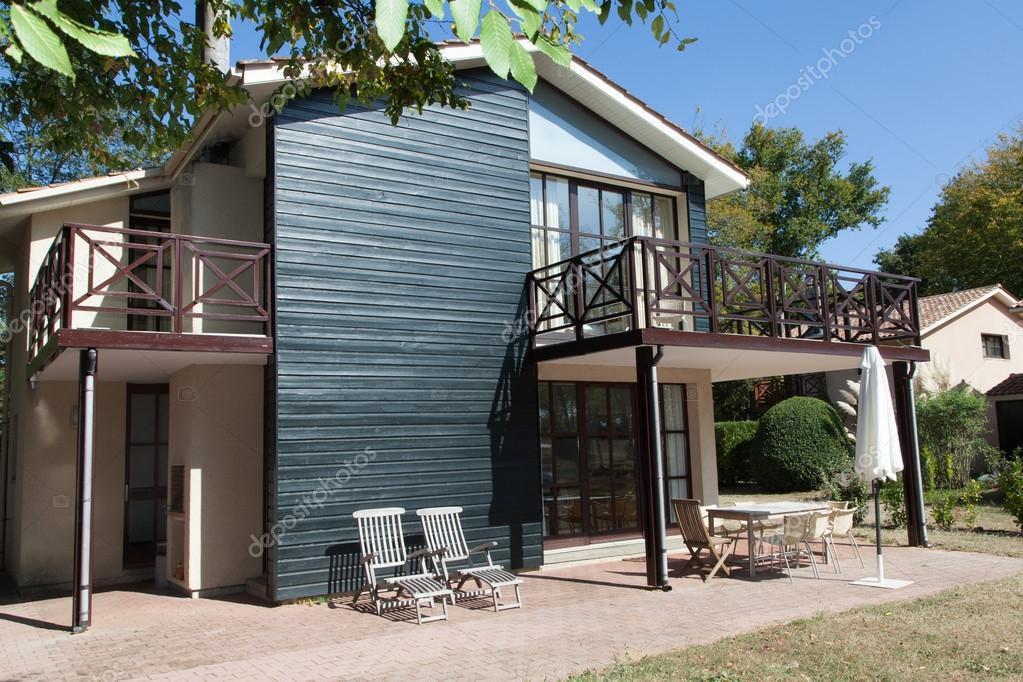 Schönes Modernes Haus Mit Garten, Im Freien U2014 Stockfoto