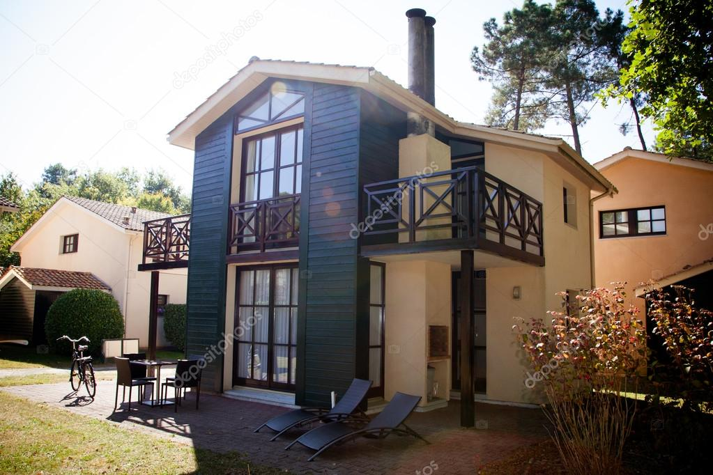 Schönes Modernes Haus Mit Garten U2014 Stockfoto