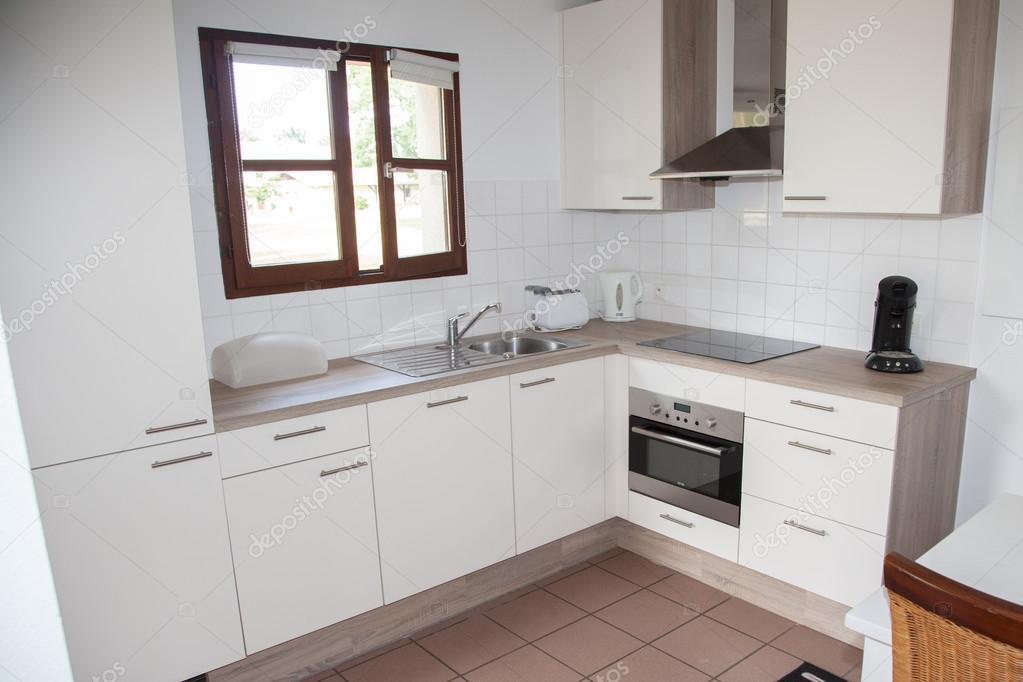 Luxuriöse Küche Mit Edelstahl Geräten In Einer Villa U2014 Stockfoto