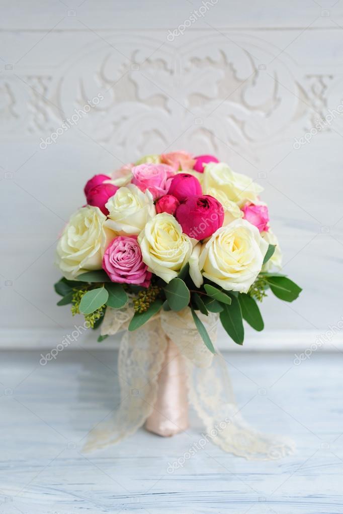 Beautiful wedding flower bouquet for bride — Stock Photo ...
