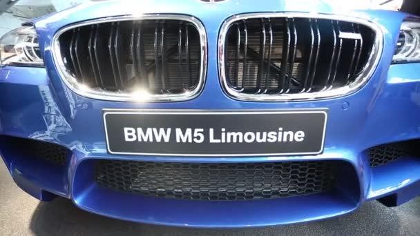 BMW M5 auf die Ausstellung