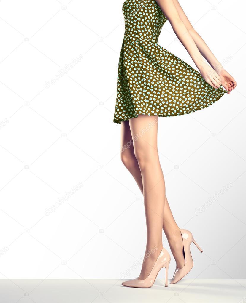 Nő a divat-vintage ruha és a magas sarkú — Stock Fotó © Evgenij918 ... fb9acd5573