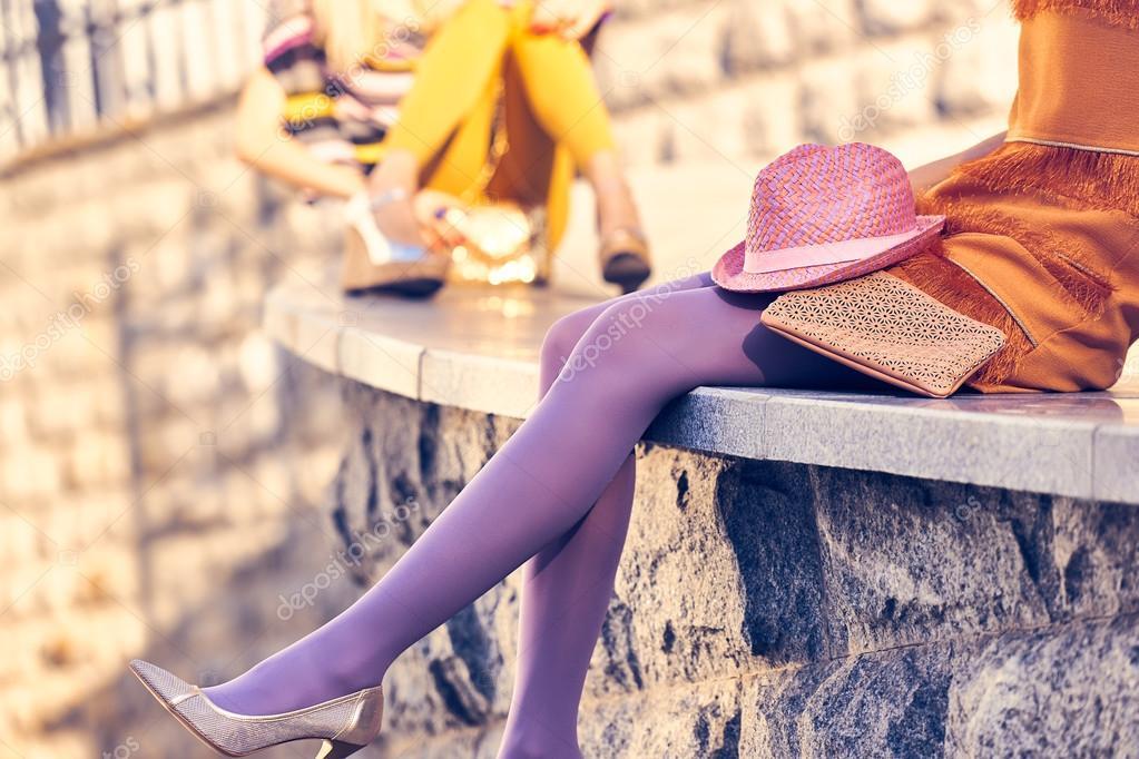 Фото друзья сексуальные ноги