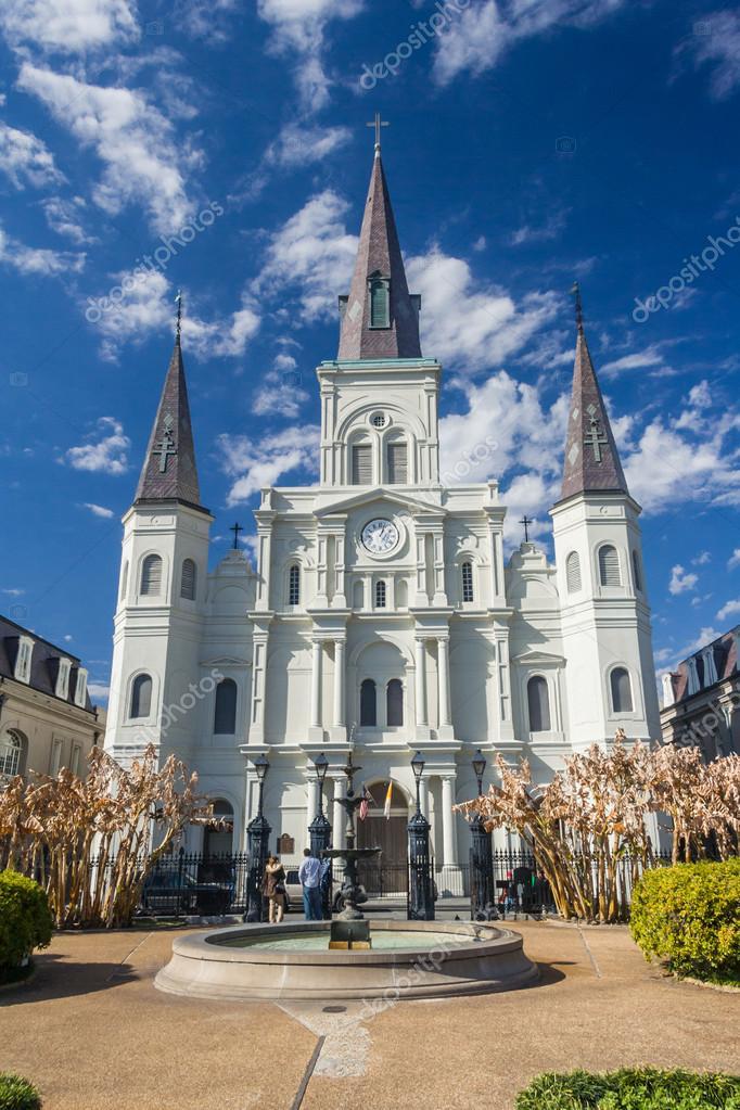Cattedrale di st louis e jackson square nel quartiere for Nuovi piani domestici di new orleans
