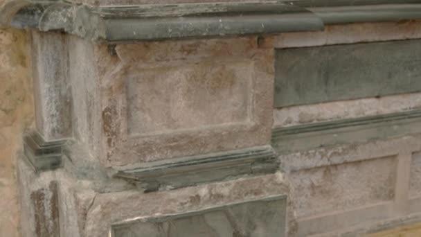 Základní starých pilíř