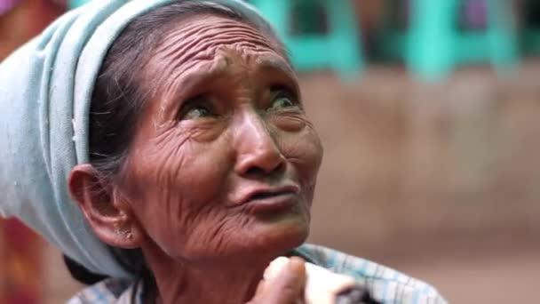 babička kouření obrázky