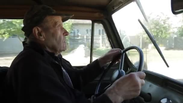Retro auto pro zemědělství