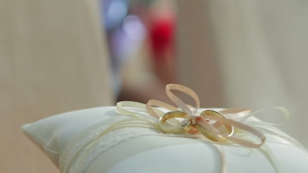 Beautiful wedding rings.
