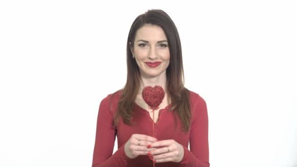 Kacsintó szexi lány piros, elszigetelt Valentin