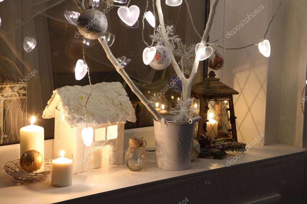 Bougies Une Petite Maison Decorative Branches De Sapin Et Un Petit