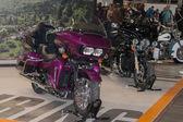 Motocykl Harley Davidson Road Glide Ultra na turné
