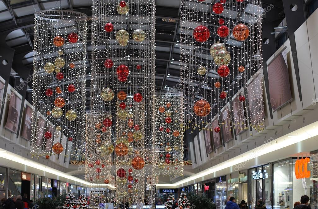 Christmas decorations at shopping center gallery vankovka for Christmas decorations online shopping