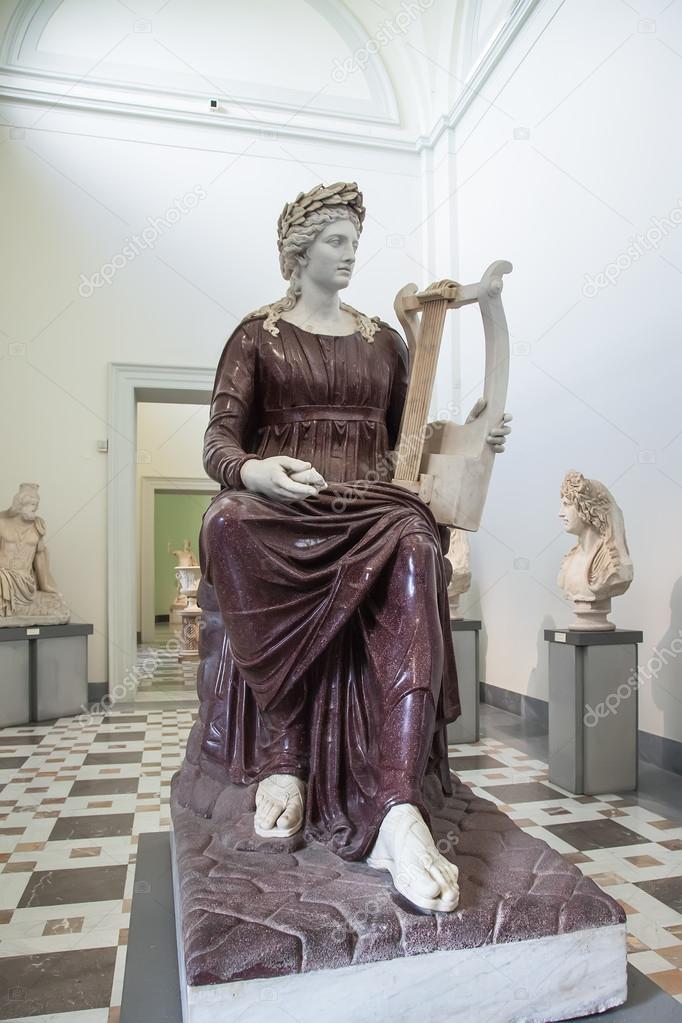 Apolo De Estatua Con Su Lira En Mu Arqueologico Nacional De Napoles