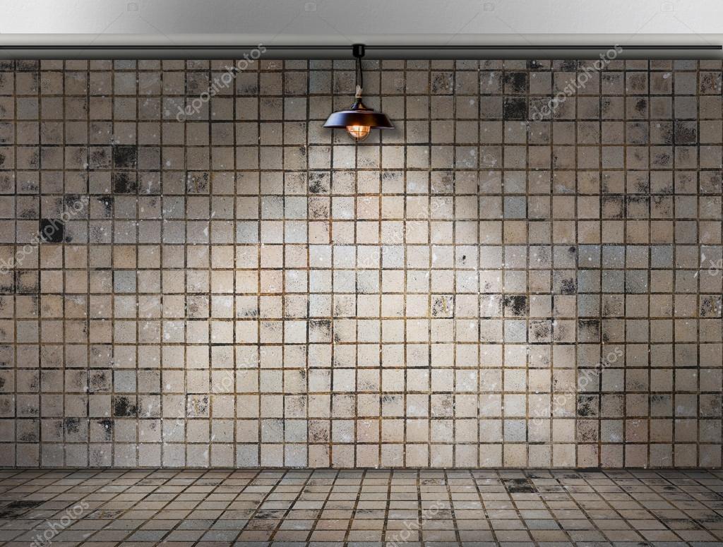 Lampada da soffitto in camera sporca piastrella u2014 foto stock