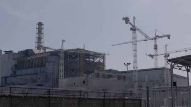 Működő daruk közelében megsemmisült a reaktor a csernobili atomerőmű