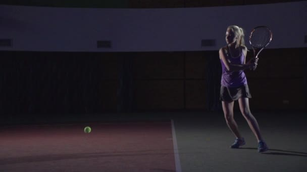 Tennis shots: Slice (slow motion)