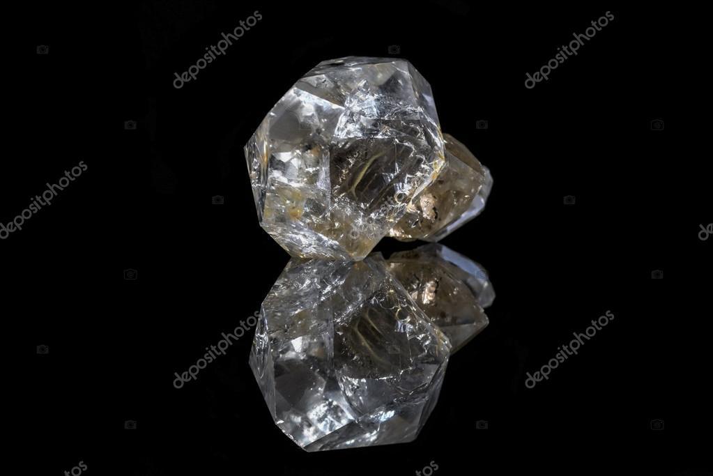 eb358f202df3ee Próbki piękny naturalny surowy diament Herkimer okazu na czarnym tle —  Zdjęcie od StellarInfinity