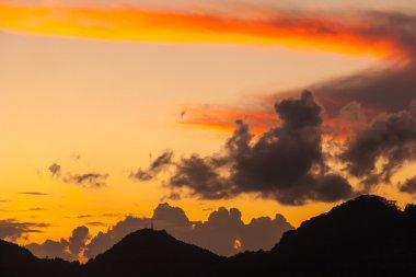 """Картина, постер, плакат, фотообои """"облако над островом маэ на закате """", артикул 66060625"""