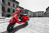 Photo red italian scooter