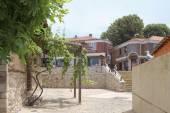 Nesebar, Bulharsko, Kristýna 18, 2016: architektonické řešení starých budov města Nessebar. rezidenční čtvrť